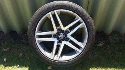 1x VE SS/SV6 wheel and tyre - suitable as full sized spare Redcliffe Belmont Area Preview