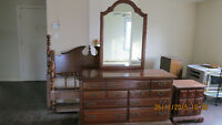 Poster Bedroom Set/Lit Baldaquin-Queen Head/Footboard with posts