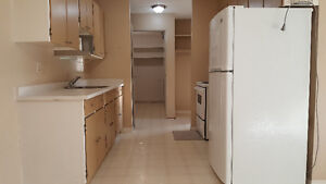 Clean College Park 2 Bedroom Condo (Available Immediately)