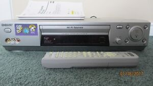 GOOD DEAL! Sony Video Cassette Recorder SLV-N88/ Enregistreur de