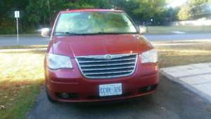 EXCELLENT 2010 CHRYSLER TOWN AND COUNTRY TOURING MINI VAN