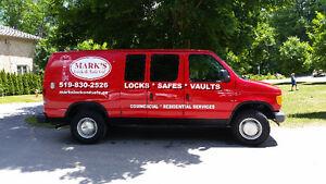 Locksmith & Safe Expert 519-830-2526 Friendly affordable service Kitchener / Waterloo Kitchener Area image 1