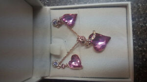 Swarovski Element earringd and necklace brand new