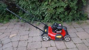 Tondeuse MTD Yard Machines (moteur  5 hp / 20 po) déchiqueteuse