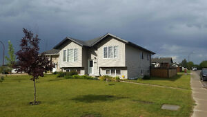 Executive 5 Bedroom house to Rent in Bonnyville AB