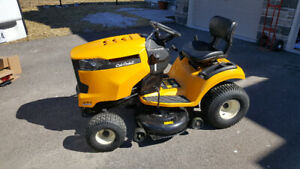 **SOLD**Cub cadet XT1 Ride on lawn mower used only 3 times.