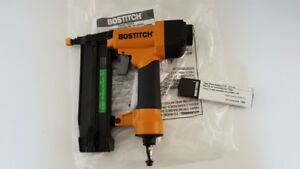 cloueuse bostitch 18 gauge NEW nailer finish