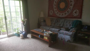 looking for a roomate for March