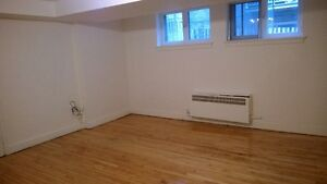 4 1/2 well located Apartment Heated NDG