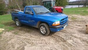2001 Dodge Dakota Sport Pickup Truck