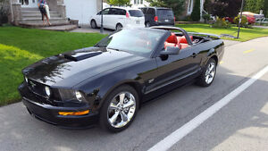 2008 Ford Mustang Cuir rouge Cabriolet IMPÉCABLE
