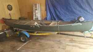 15.6' old town discovery canoe
