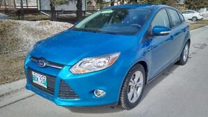 Very Nice 2013 Ford Focus SE Hatchback 80km Heated Seats Wheels