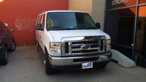 2008 Ford E-350 Superduty XLT, Van