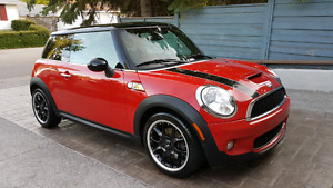 2010 Mini Cooper S only 120000km Chili Red Limited