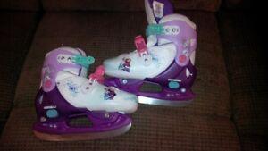 Snow Queen Adjustable Skates Y12 Y13 1 2 in Excellent Condition