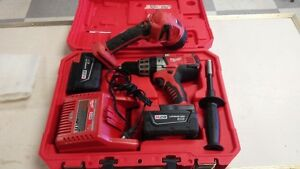 MILWAUKEE M28 Hammerdrill
