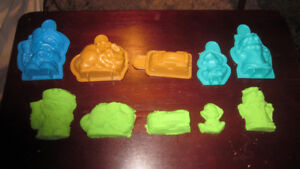 Kinetic Sand with Molds - Green!