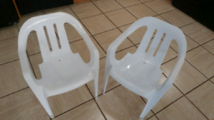 2 white chairs for kids