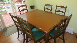 Solid Cherry Oak Dining Room Table with 6 Chairs