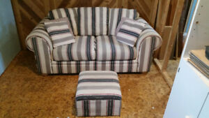 Couch & Ottoman - SOLD for $25.00 - Thank you Kijiji!