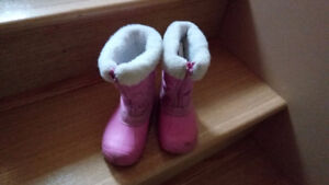 Toddlers boots and shoes - SIZES - 9