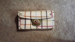 AUTHENTIC NEW COACH WALLET