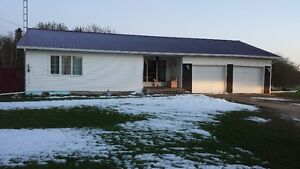 House for sale in Fraserwood, 12.5 acres