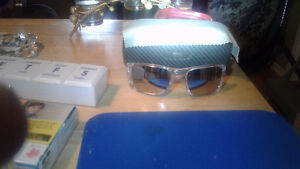 New oakley fuel cell glasses with case(authentic) no scraches St. John's Newfoundland image 3