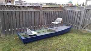 12ft Jon Boat, Full carpeted floor and newer paint Peterborough Peterborough Area image 2