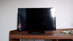 Toshiba 27 inch flat screen with remote