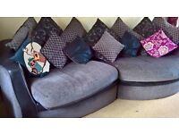 £350 Excellent immaculate condition 4 seater sofa