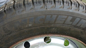 4 Like NEW Michelin X-ICE 215 65 16 Snow tires