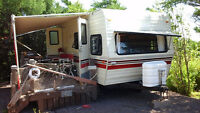 NICE 2 DOOR REAR BEDROOM 20 FOOT TEERY CAMPER
