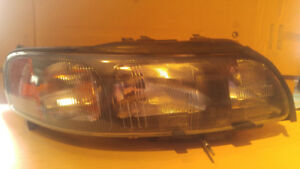 Volvo S60, XC70 Headlight Assembly, 2002, 2003, 2004, 2005