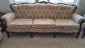 Traditional couch and accent chair