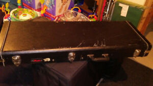 Stand et case de guitare