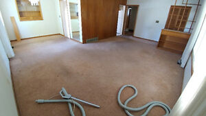 aprox 800sq ft of brown carpet.....make us an offer!!!