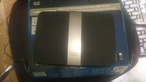 Linksys 4200v2 Wi-Fi router with 5g