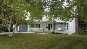 Large 2 story home in desirable area of Riverview