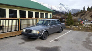 1989 Volvo 240 DL - LOW KMS!
