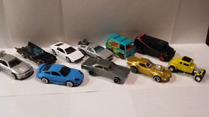 Lot voitures hot wheels 1/64 film et série tv