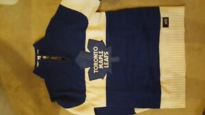 Adult Small Toronto Maple Leaf Sweater & Hat