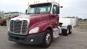 2011 Freightliner Cascadia Day Cabs DD-15 Super 40,s 18 speed