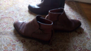 WANTED BLUNDSTONE BOOTS 10..11