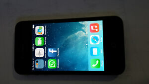 IPhone 4 / Bell / 16 GB/  $90 only St. John's Newfoundland image 1