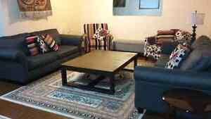 PERFECT CONDITION LIVING ROOM SET
