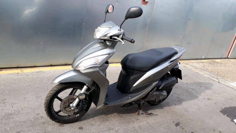 Honda Vision 110cc Automatic Scooter In Edmonton London Gumtree