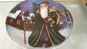 CHRISTMAS DECOR PAINTED PLATE OR SERVING PLATE