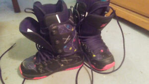 SIZE 6 Ladies DC snow board boots